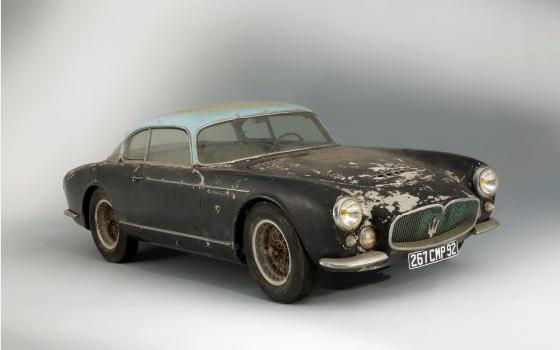Lot 58, 1956 Maserati A6G Gran Sport Frua, Estimation : 800 000-1 200 000 / 946 000 1 420 000 $ Lot 59, 1961 Ferrari 250