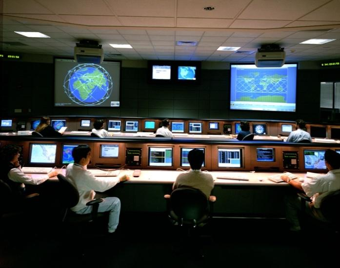 worldwide, 2 US Control centers software (150 servers & clients used by 50 operators & engineers) Satellites Satellites Control Stations