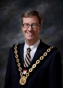 On behalf of Members of Ottawa City Council, representing 900,0000 residents, it is my distinct pleasure to extend a very warm welcome to all the delegates participating in the 2011 Conference of the