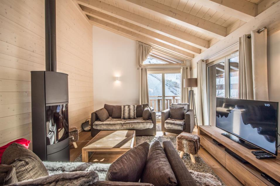 App. ASPEN LODGE B31 Cimalpes COURCHEVEL Tél: +33 4 79 00 1850 Fax: +33 4 79 00 1805 Email: courchevel@cimalpes.