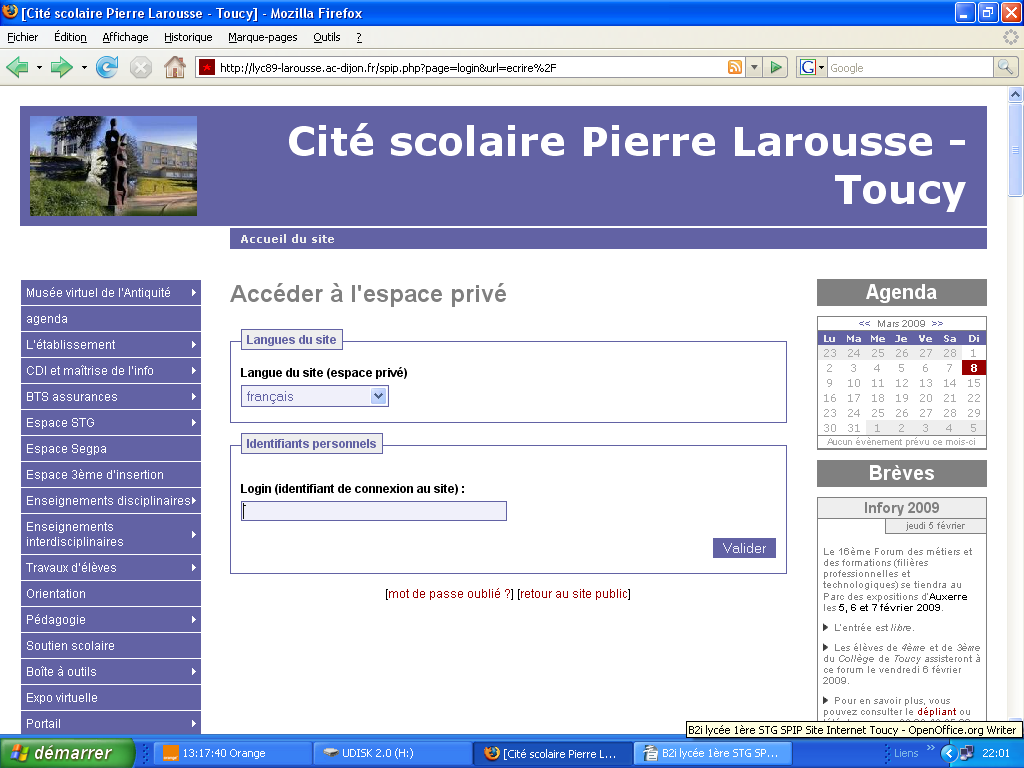 Utiliser les ressources du site Internet du collège Pierre Larousse 3 statuts dans SPIP : 3 types d'intervention : Outil de travail collaboratif, SPIP permet, à partir d'un simple navigateur Internet