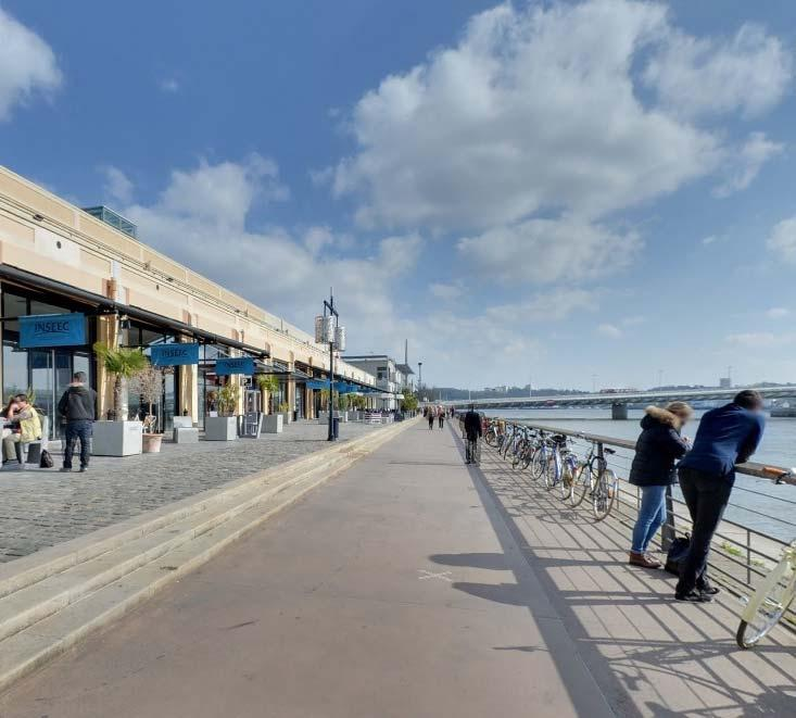 5 INSEEC Buisness School, Hangar 19 - Quai de Bacalan, 33070 Bordeaux. Bordeaux Students wishing to study within a traditional French city are encouraged to take courses in Bordeaux.