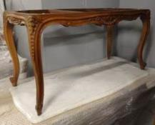 Table basse style Louis XV Plateau marbre blanc Dimensions :